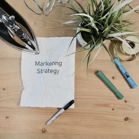 Marketing Predictions & Trends for 2019 Report and Ecourse Bundle